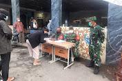 Serbuan Vaksinasi TNI di Masjid Jami Al-Ikhlas Jembatan Besi, 168 Orang Tervaksin