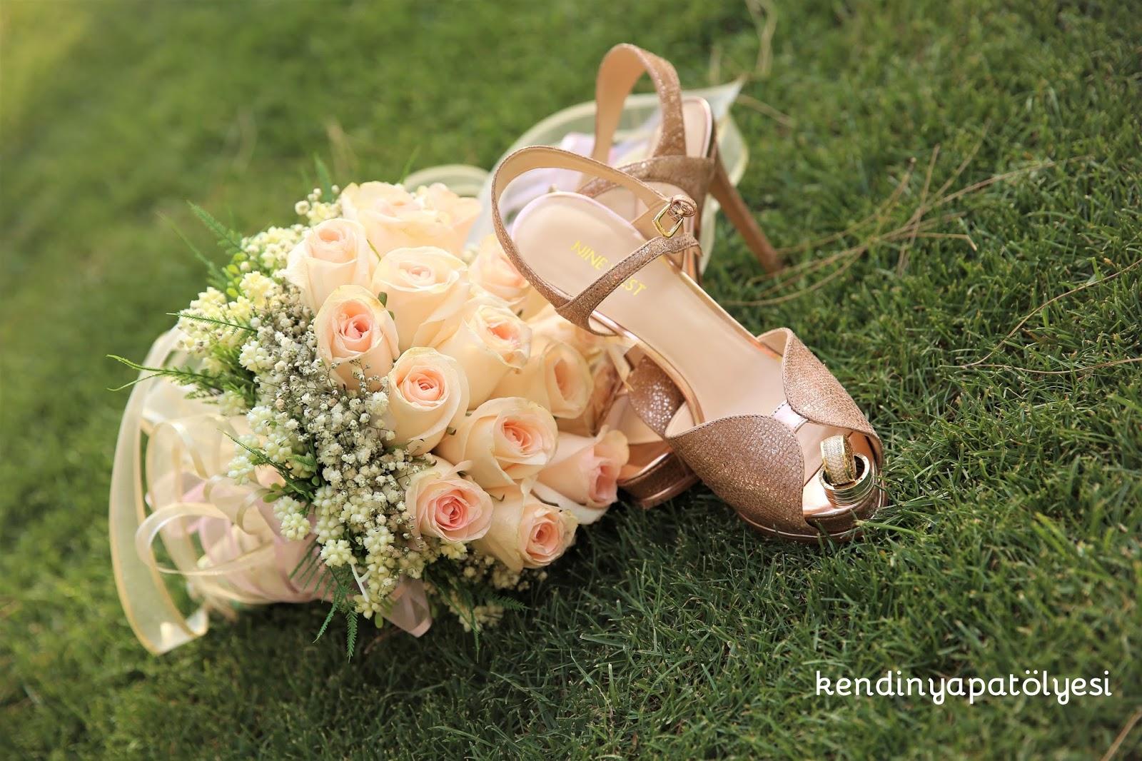 gelin çiçeği, alyanslar,gelin ayakkabısı
