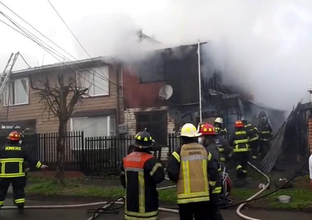 Osorno: incendio afecta a viviendas del sector de Francke