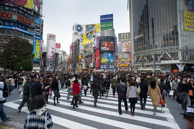 Kerumunan orang di Shibuya