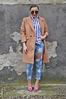 http://www.karyn.pl/2018/02/jeansy-w-gwiazdki-i-rozowe-szpilki.html