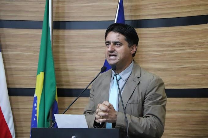 PERIFERIA ABANDONADA   Jacaré relata abandono na periferia da cidade e volta a cobrar ações da Via Bahia em Conquista