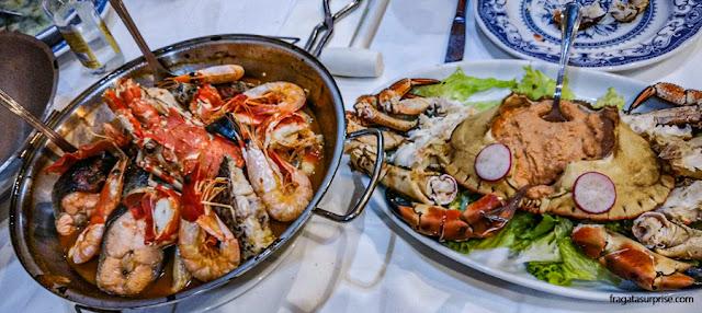 Cataplana de mariscos e sapateira, pratos típicos de Portugal