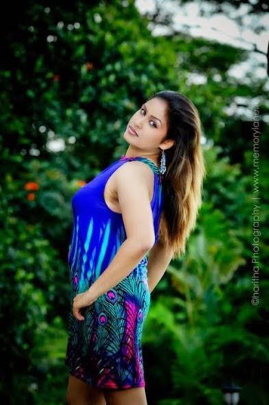 Kaushi Sirimalwatte Hot