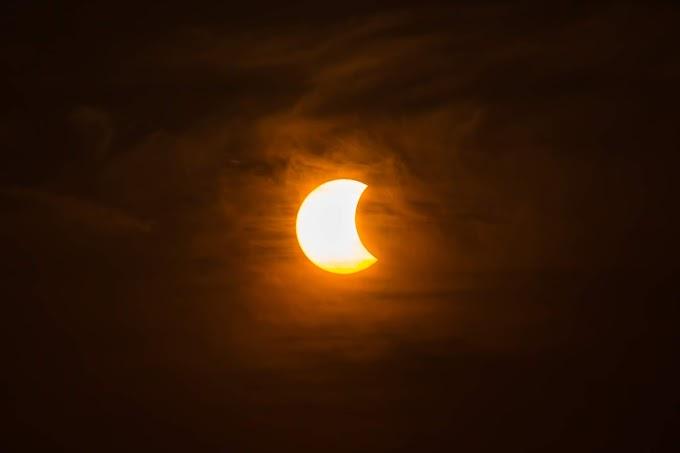 Mira el eclipse solar del 2 de julio sin dañar tus ojos