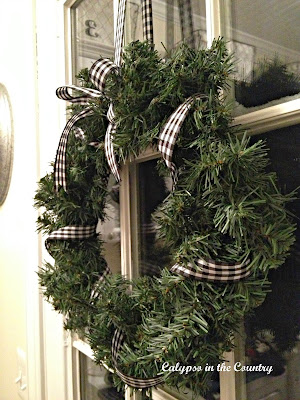Wreath with black and white