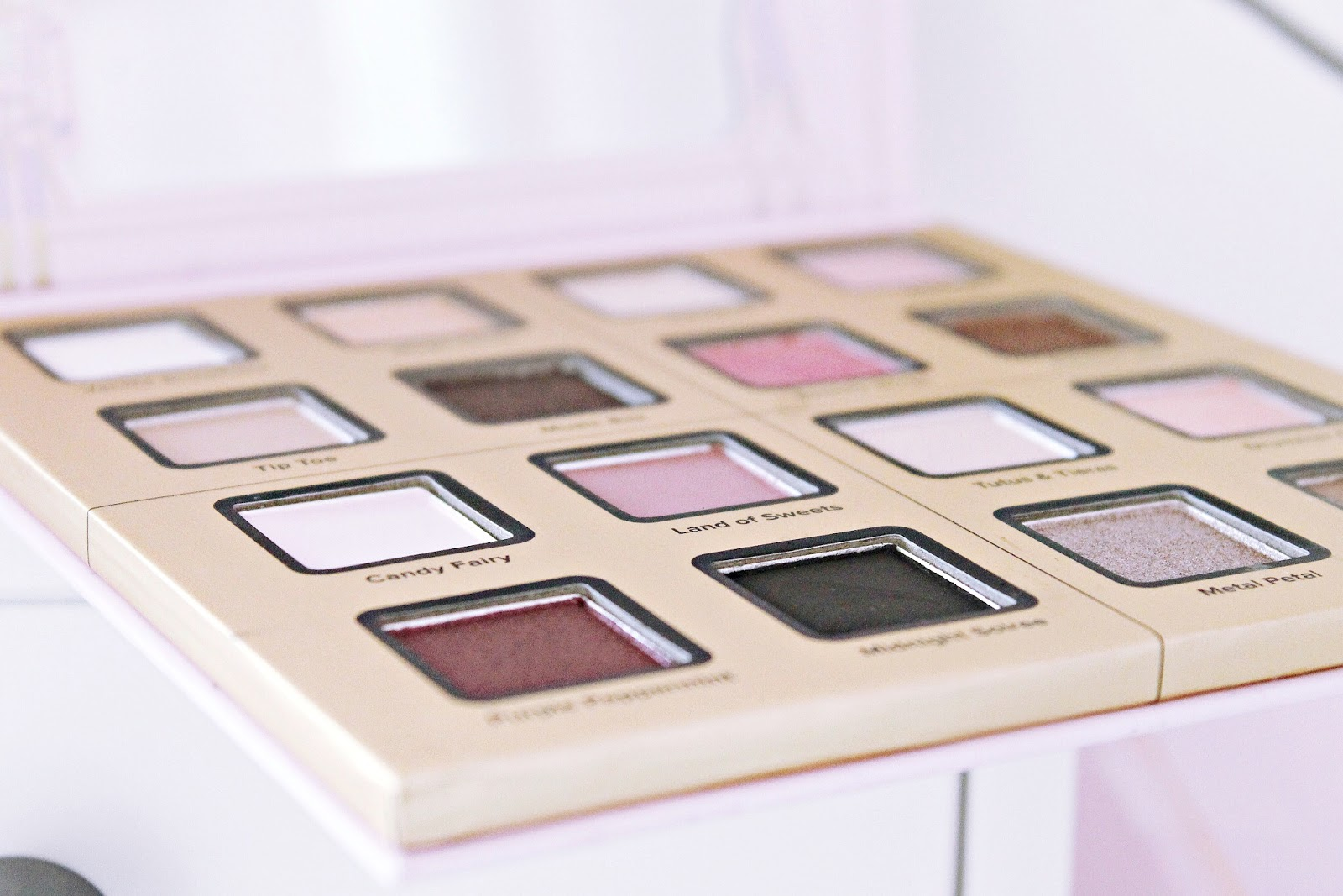 Too Faced Sugar Plum Fun palette review