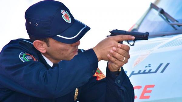 مقدم شرطة يستعمل سلاحه الوظيفي لتوقيف قاصر بسوق الأربعاء الغرب