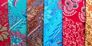 Tips Menjaga Warna Baju Batik