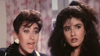 karishma kapoor and raveena tandon in film andaz apna apna