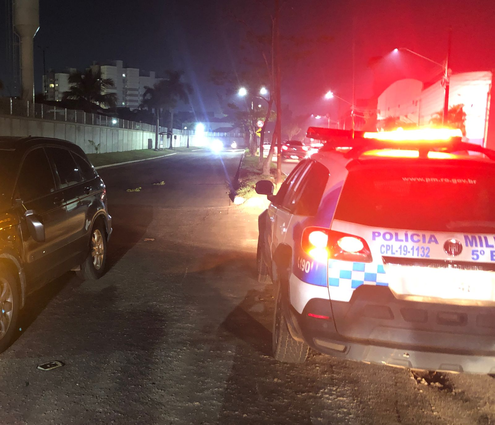 Após sair de festa e se envolver em acidente, dupla sofre ataque a tiros na zona leste de Porto Velho