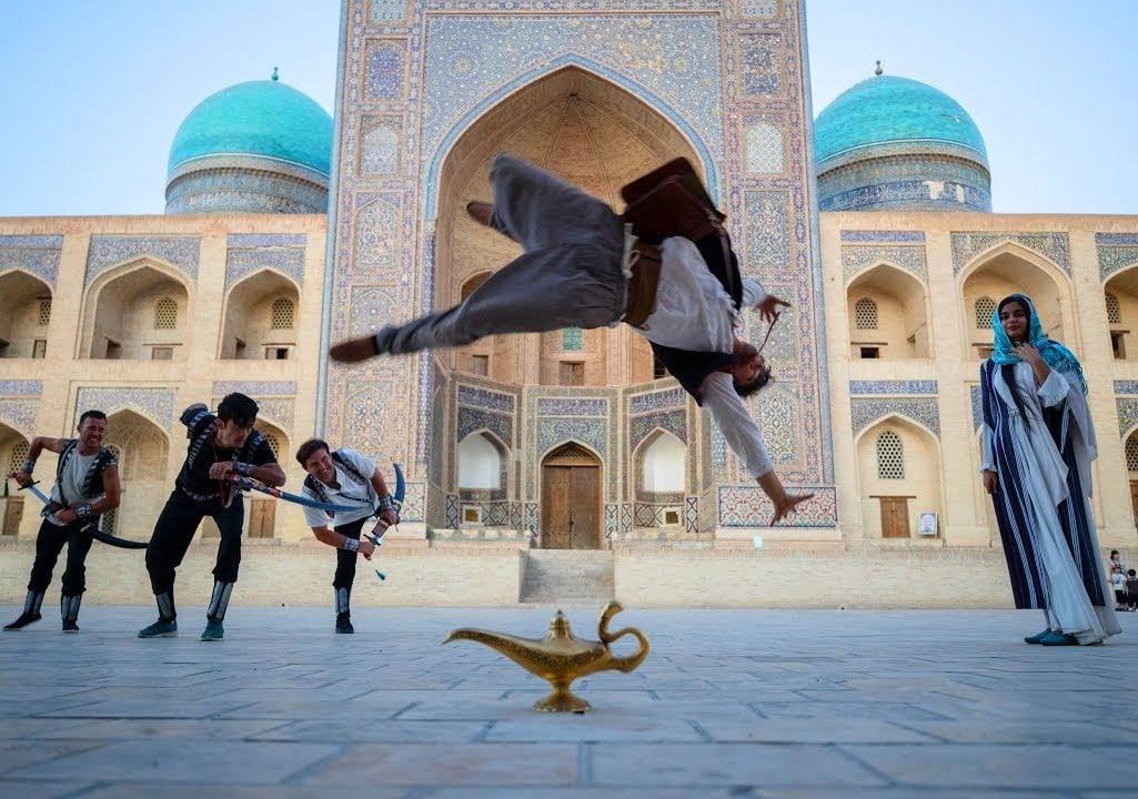 Aladdin Meets Parkour in Real Life : アラジンと悪党どもの追跡劇を映画さながらに描いて魅せた極上のパルクールのアクション・ショート・フィルム ! !