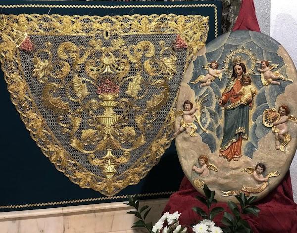 La Cofradía de Medinaceli de Algeciras bendice la Gloria del palio y una toca para la Virgen