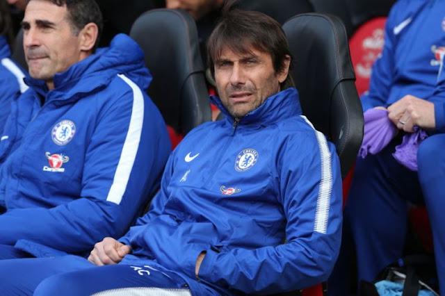 """""""Conte đang chờ Roman sa thải"""""""