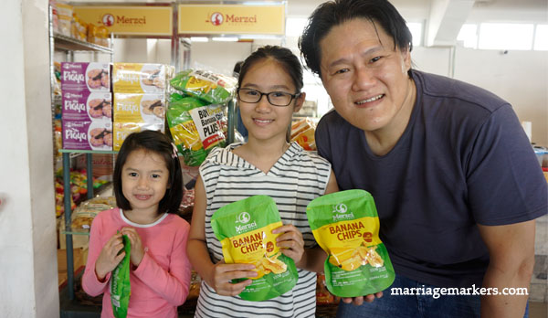 Bacolod pasalubong - Merzci pasalubong - Bacolod City - family snacks - healthy snacks - banana chips and sesame seeds - Bacolod blogger