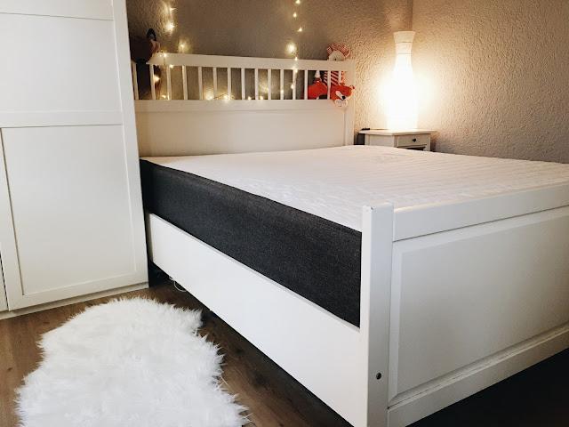 ein schlaf wie auf wolken mit bruno im schlafzimmer apfelb ckchen familienblog. Black Bedroom Furniture Sets. Home Design Ideas