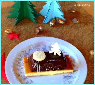 image-Mini bûche individuelle aux trois chocolats et biscuit madeleine à la fève tonka