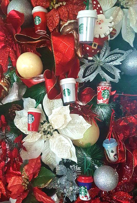 DIY Christmas decorations - miniature Starbucks tumblers