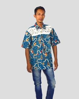 Baju batik kantor pria modern, biru