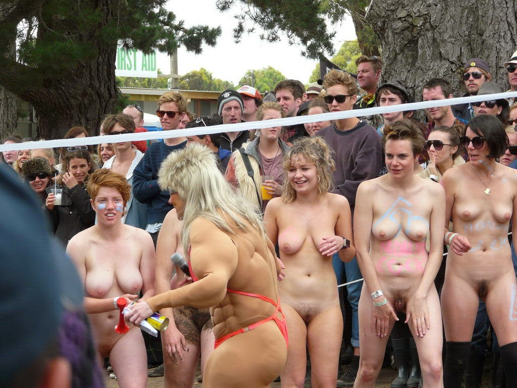Nude Stage Girls