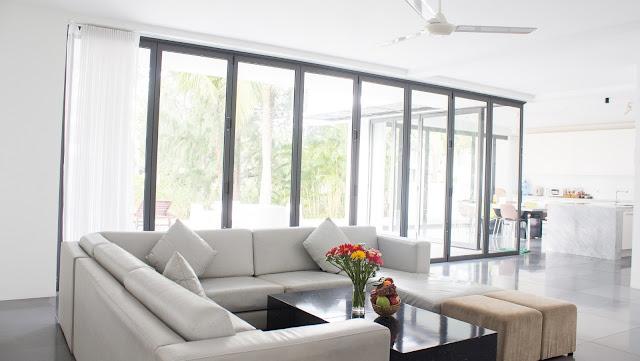 Phòng khách rộng rãi, sang trọng tại Sanctuary Hồ Tràm