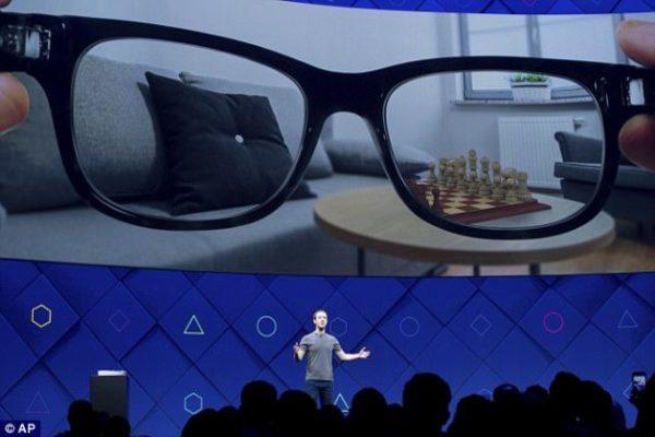 تقارير: فيسبوك تعمل على إطلاق نظارات ذكية في 2021