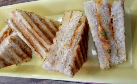Paneer_tikka_masala_sandwich,Paneer_tikka_sandwich_in_hindi
