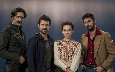 http://www.cinemania.es/blog/el-ministerio-del-tiempo-segunda-temporada-mejor-que-la-primera/