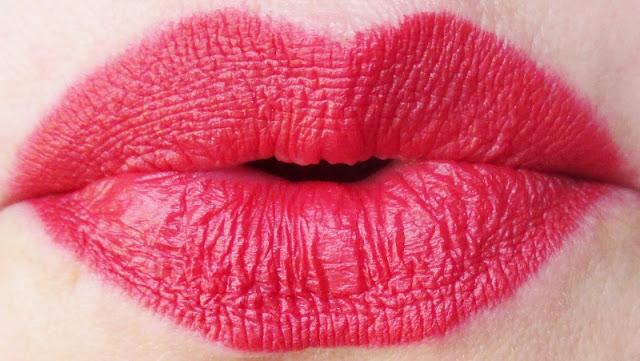 mirabella-masquerade-holiday-crimson-modern-matte-lipstick-lip-swatch