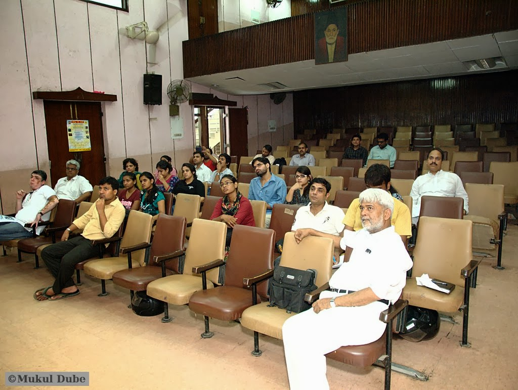communalism watch  the aman ekta manch called a meeting at the ghalib academy in nizamuddin on 28 2013 to discuss the new phase of communal violence