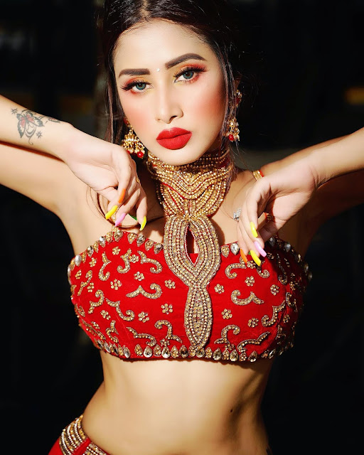 110 Hot Pictures of Model Jiya Roy Actress Trend