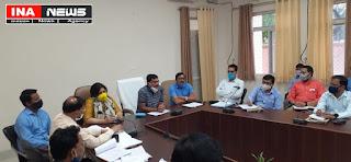 निर्वाचन के कार्यो में किसी प्रकार की लापरवाही बर्दाश्त नही की जाएगी- जिलाधिकारी इंद्र विक्रम सिंह