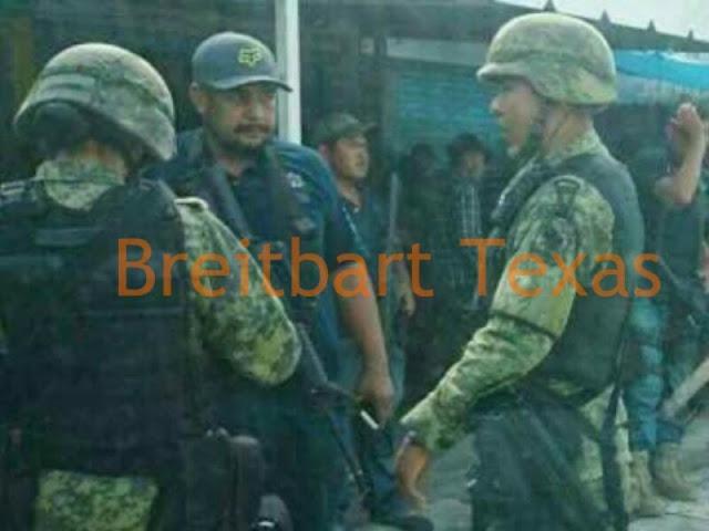 """Con capo de """"Los Viagras"""" fotos muestran interacción amistosa de Militares en Michoacán"""
