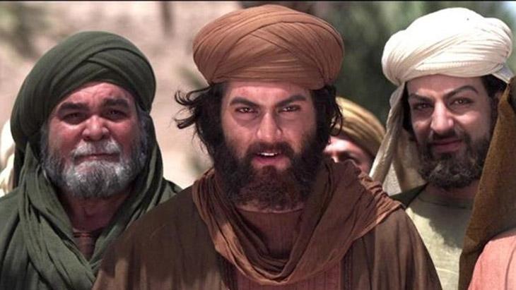 AY, Hz Ömer,Halife Ömer,Halife Ömer'in sözleri ayet oluyor,Tahrim Suresi, Ahzab suresi, Muhammed'in eşleri,Muhammed'in eşlerine boşanma tehdidi, islamiyet, din, Kur'an,