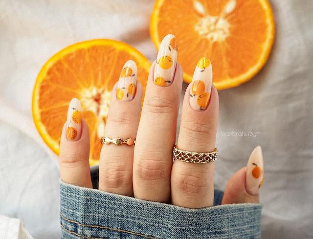 paznokcie w pomarańcze
