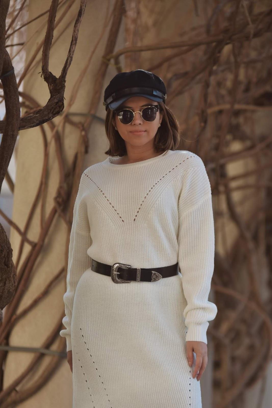 Wearing A Drop Shoulder Sweater Dress  by Mari Estilo-dcblogger-sheingals-canal de mariestilo-streetstyle-street wear-winterstyle-winter2020
