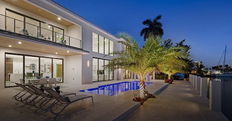 Advantages of Light House Point Homes