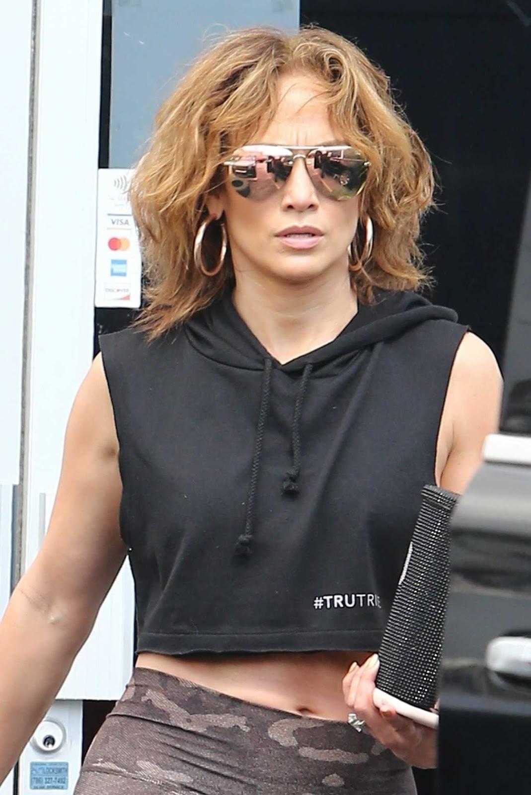 Jennifer Lopez Hot Photos in Tights