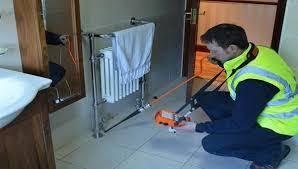 علاج مشكلة تسريب المياه داخل المنزل
