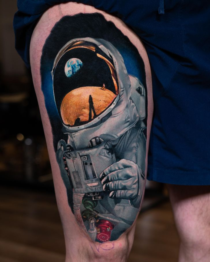 They say that humanity will soon return to the moon again. This is the source of inspiration.