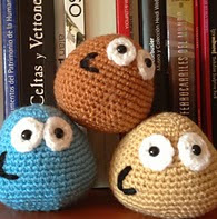 http://www.ravelry.com/patterns/library/my-pou