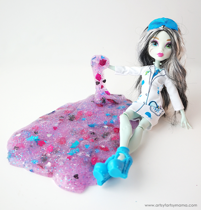 "Have some ""Fang""-tastic fun with 3-Ingredient Monster High Slime!"