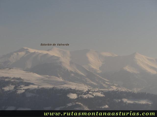 Vista Estorbín de Valverde desde Cueto Ventoso