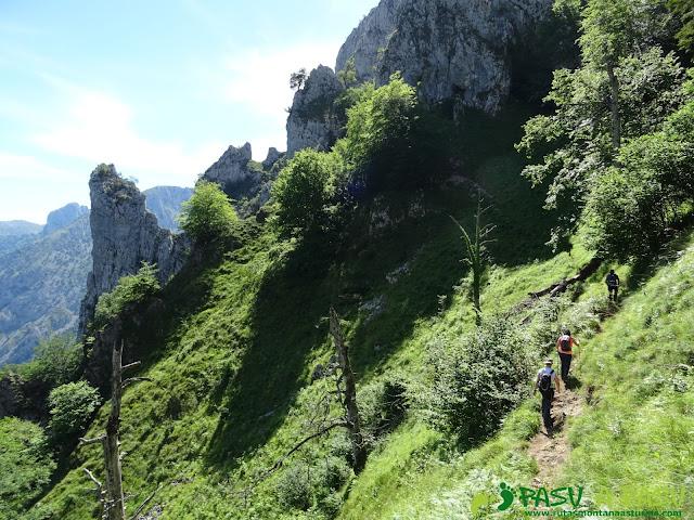 Pasada del Picayo: Atravesando canal