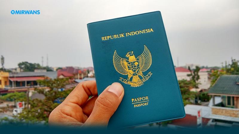 Kenapa Passport Indonesia Berwarna Hijau? Inilah Alasannya