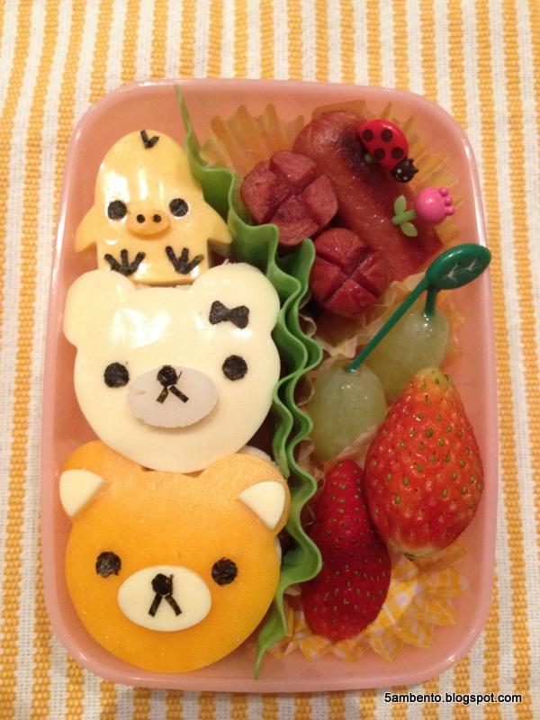 5AM Bento: 啦啦熊、牛奶熊與小雞玩疊羅漢~