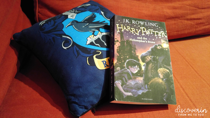 Coussin Serdaigle & Tome 1 Harry Potter