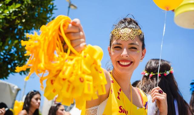 Sem Carnaval, Ambev oferece auxílio emergencial para ambulantes