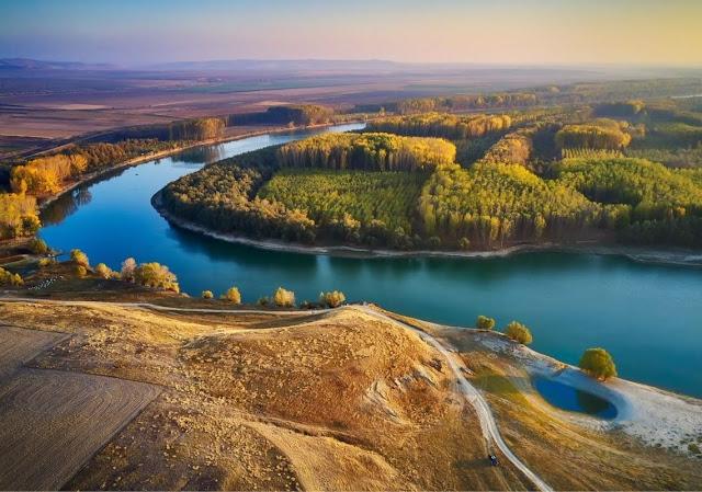 أكبر وأجمل وأشهر  الأنهار في العالم بالصور