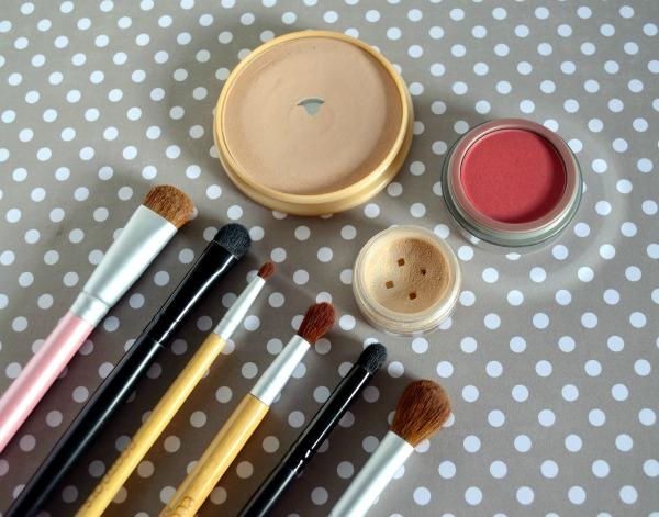 brochas de maquillaje básicas